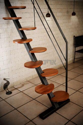 סולם מדרגות עץ מגוון
